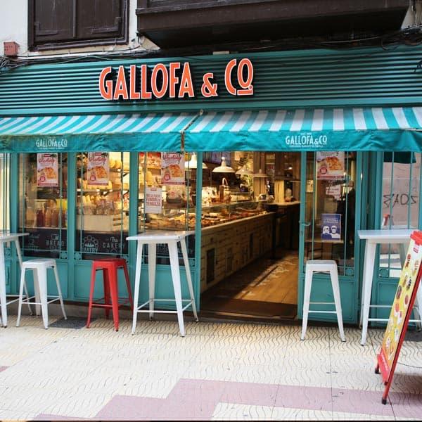 panadería Gallofa Torrelavega cafetería con pastelería y bollería